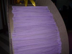 como hacer piñatas de carton 7