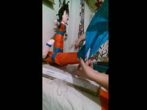 Como hacer piñatas de goku 10