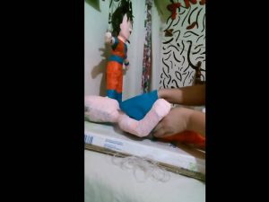 Como hacer piñatas de goku 7