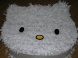Como hacer piñatas de hello kitty 9