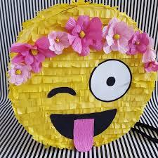 Como hacer piñatas de papel crepe4556