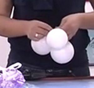 como hacer una piñata de globos 10
