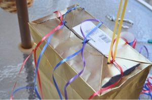 como hacer una piñata casera 10