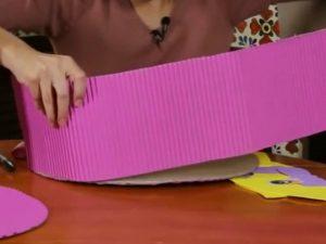 como hacer piñatas de carton corrugado 5