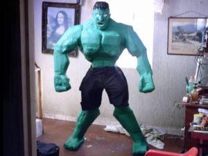 como hacer piñatas de hulk 7