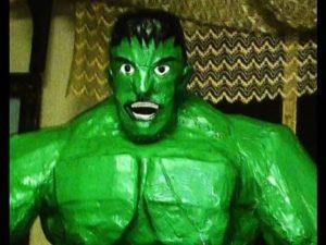como hacer piñatas de hulk 8