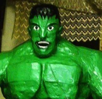 Como hacer piñatas de hulk con material de reciclaje.