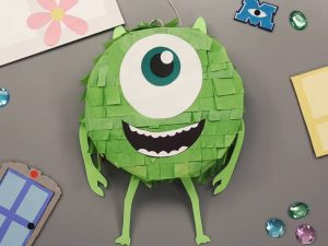 como hacer piñatas de monster inc 14