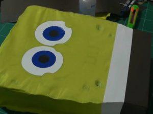 como hacer piñatas de personajes paso a paso 7