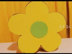como hacer piñatas en forma de flor 10