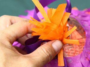 como hacer una piñata facil 10