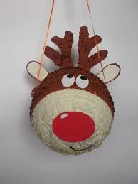 piñata en forma de ren