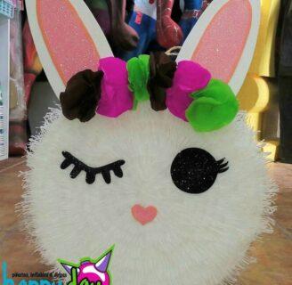Cómo hacer una piñata de conejito
